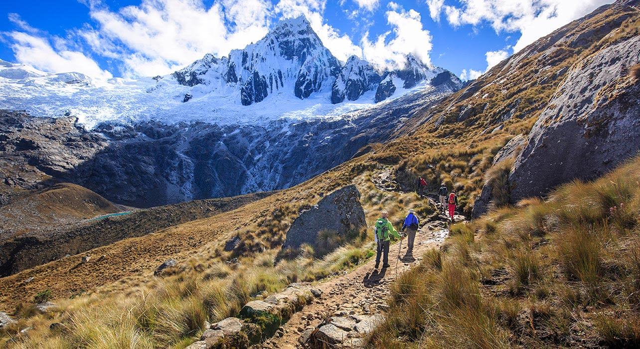 huascaran national park peru hikers