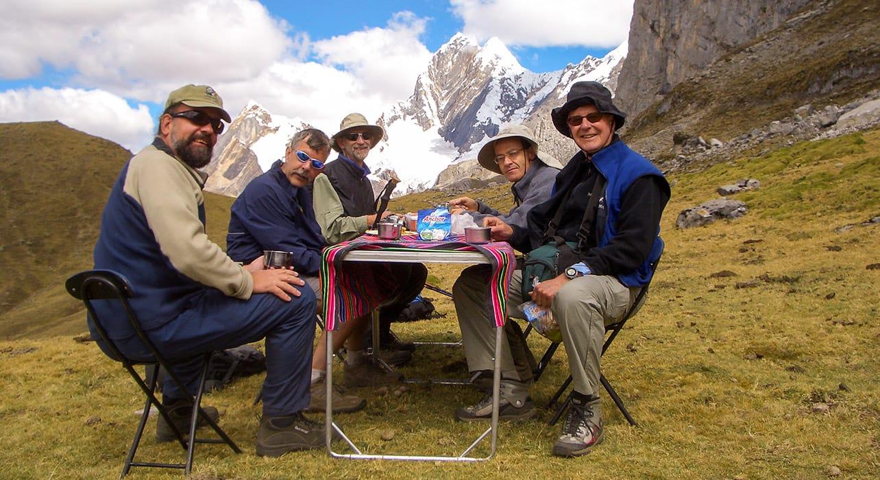 hikers enjoying lunch cordillera peru