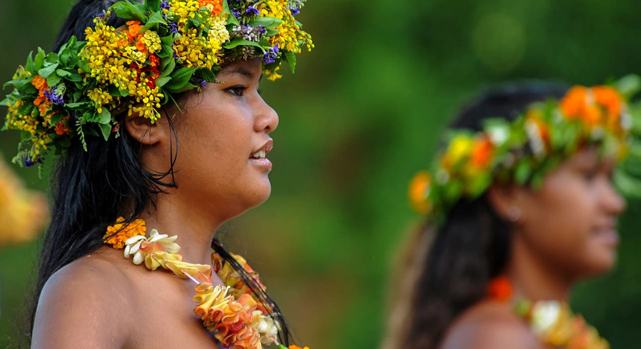 easter island and polynesia traditional costumes women flower crowns