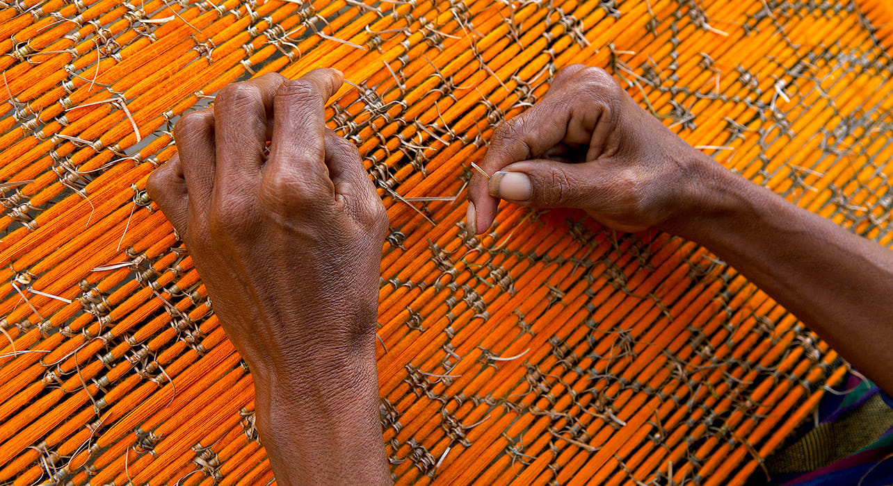 indonesia ende flores man weaving ikat