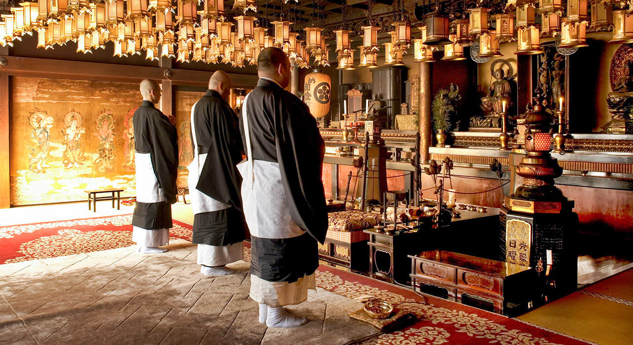 monks monastery henjoko japan