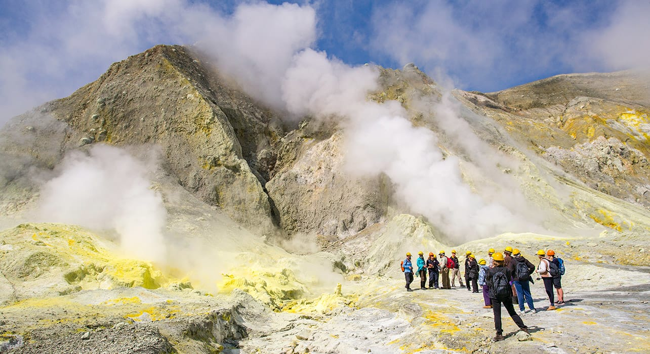 new zealand white island volcanic activity