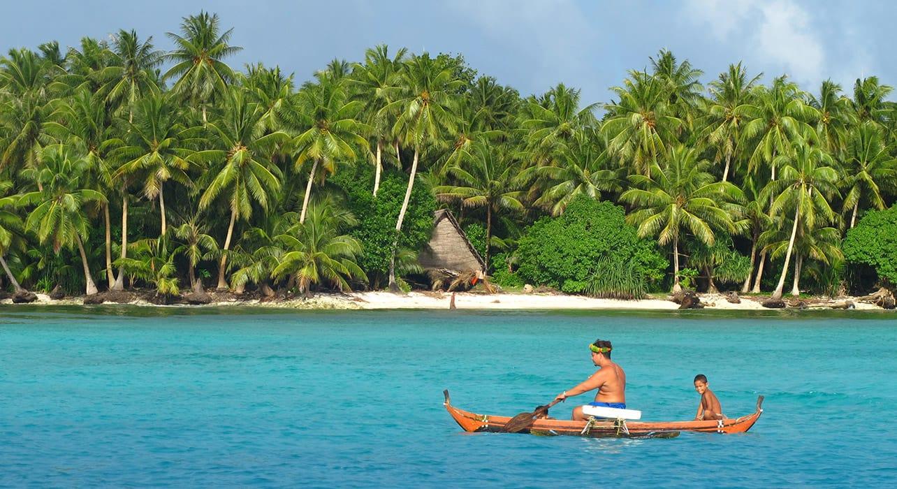 micronesia canoe ocean