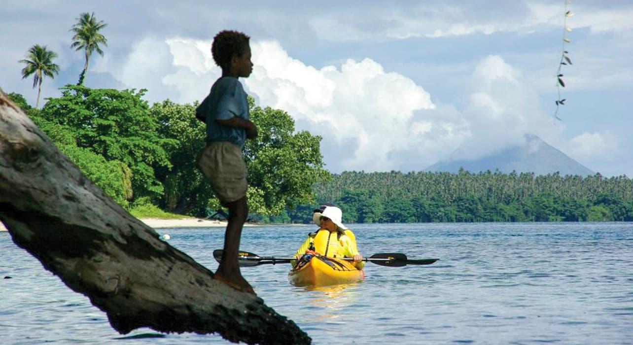 melanesia papau new guinea kayaking