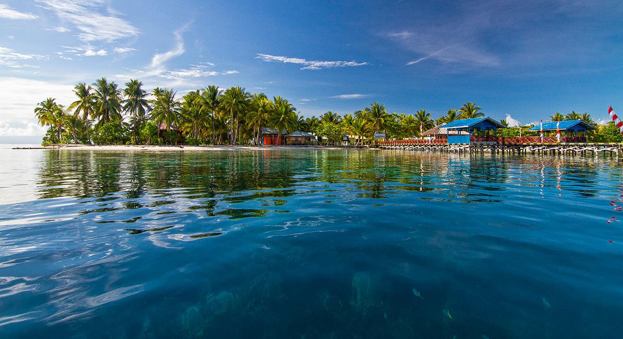 cruise snorkeling trobriands tufi madang cruise zegrahm island papua