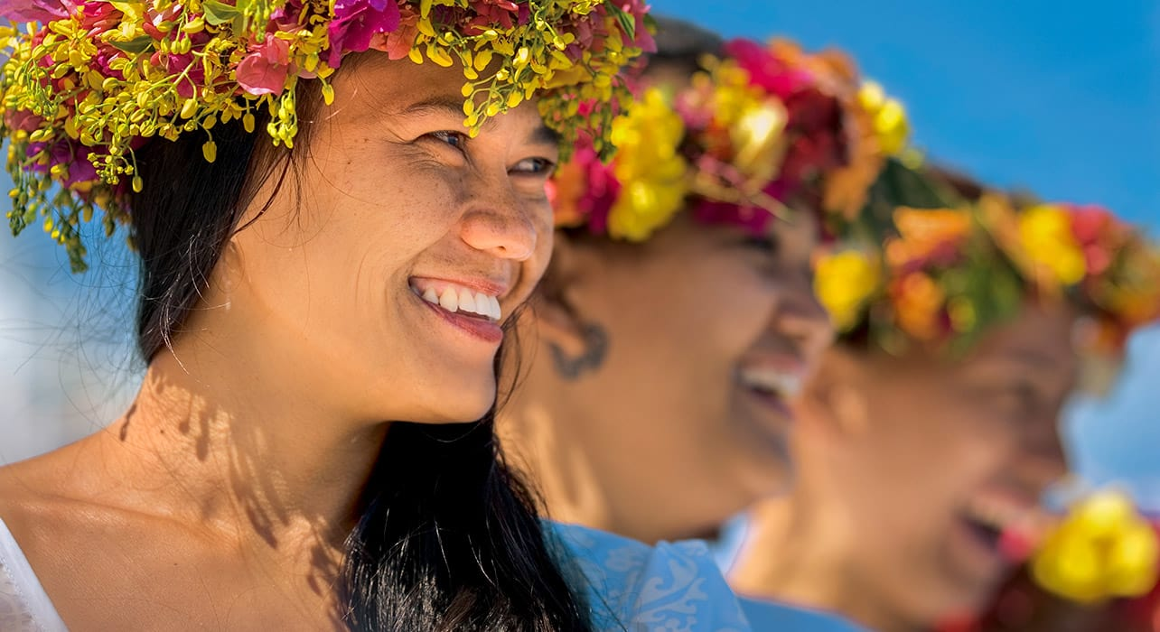 gauguines women flower crowns