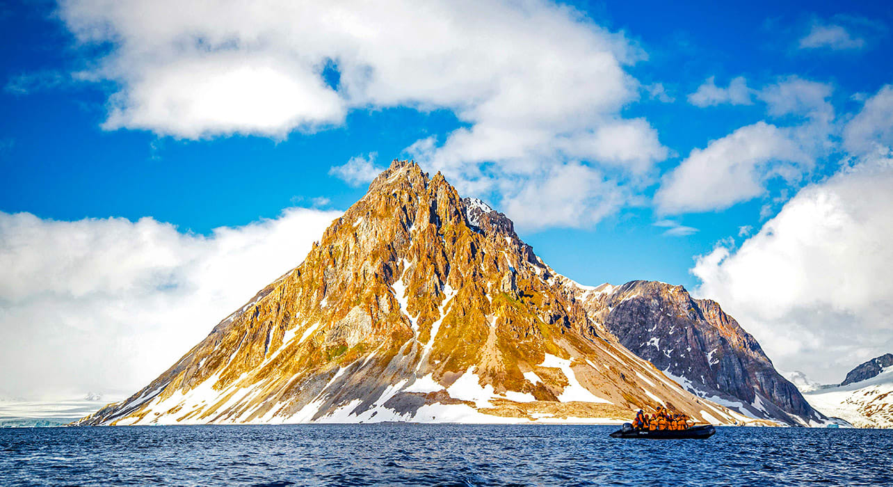 spitsbergen big island zodiac burgerbukta svalbard