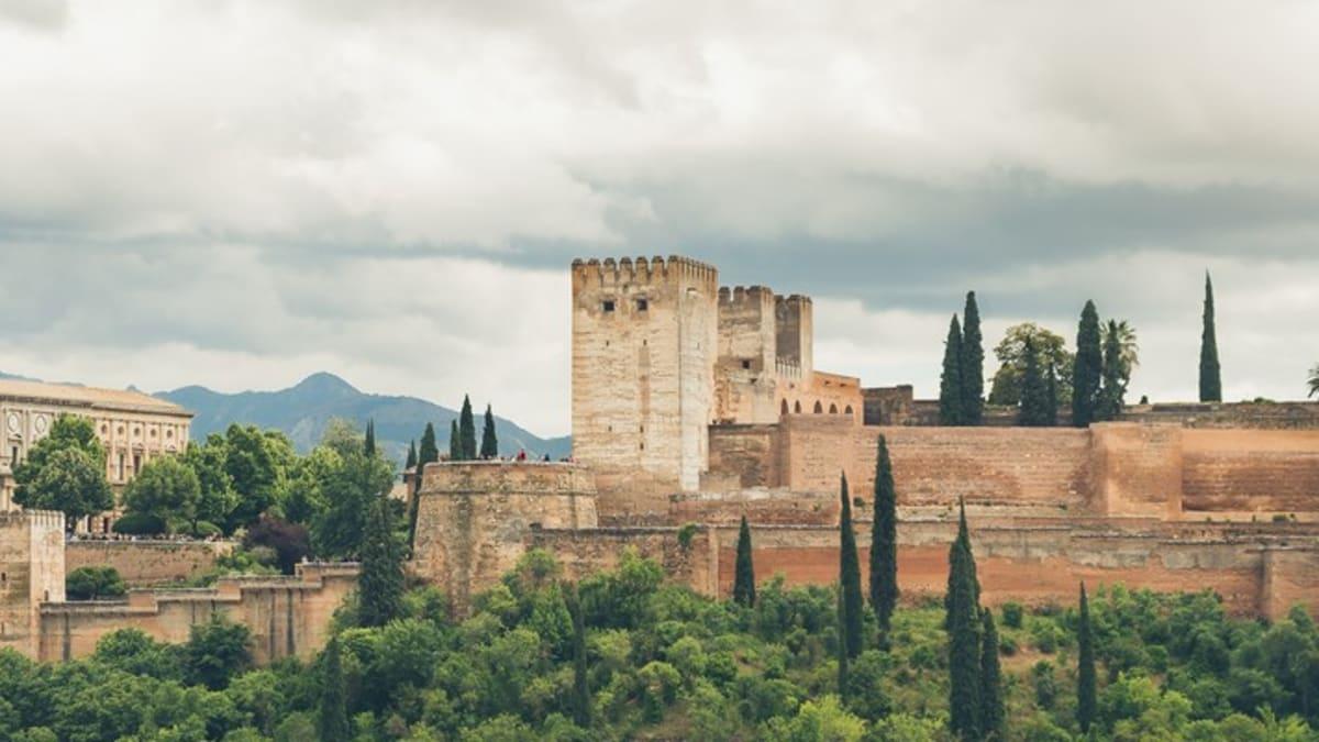 Pakej Percutian ke Granada Bersama Tripfez