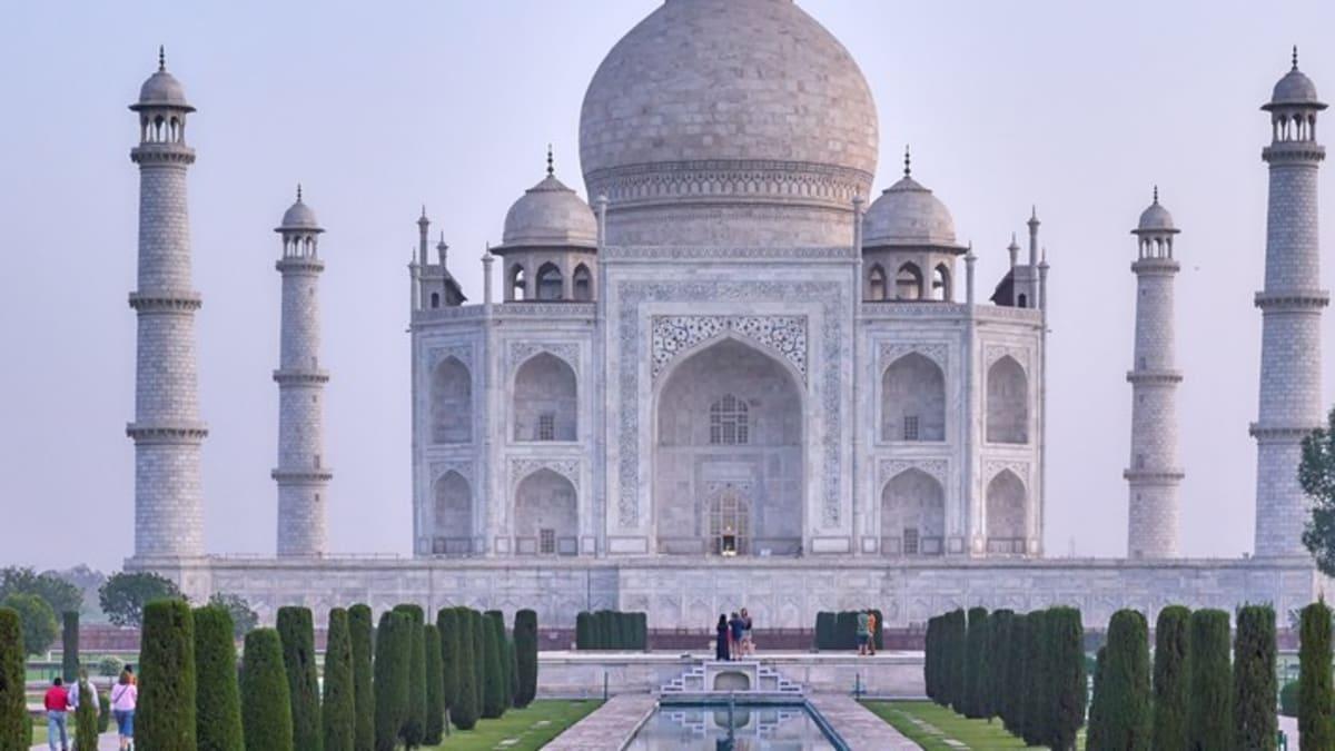 Pakej Percutian ke India Bersama Tripfez