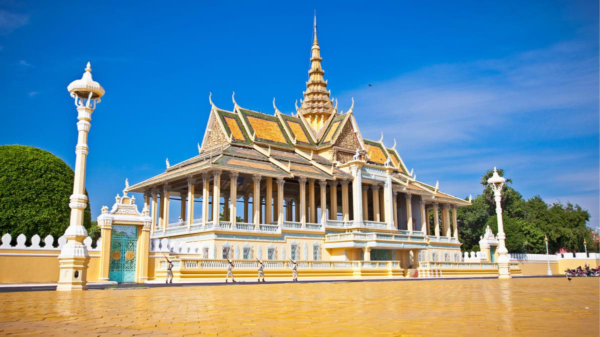 Phnom Penh Tour With Tripfez