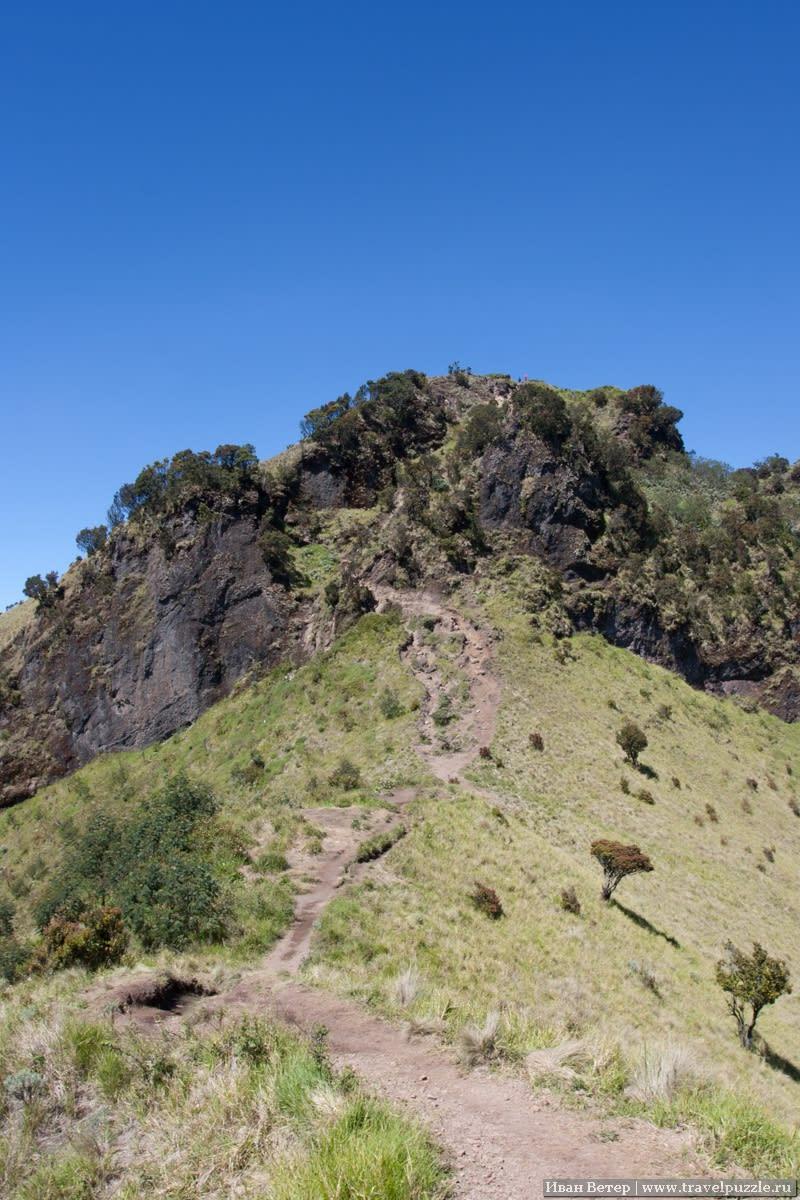 Тропа на одном из спусков с вулкана