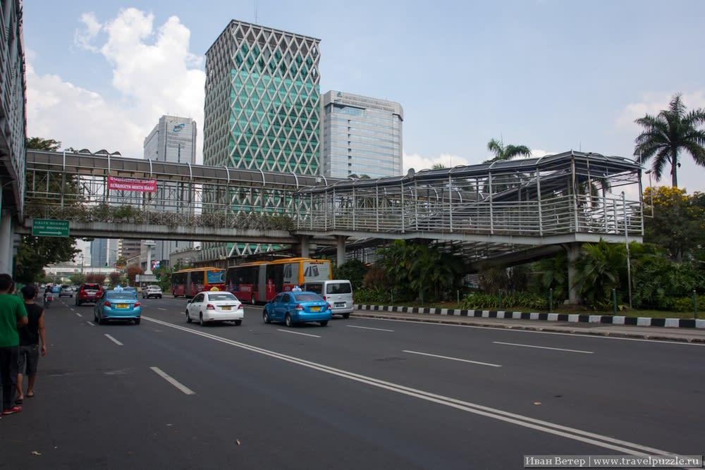Остановка TransJakarta