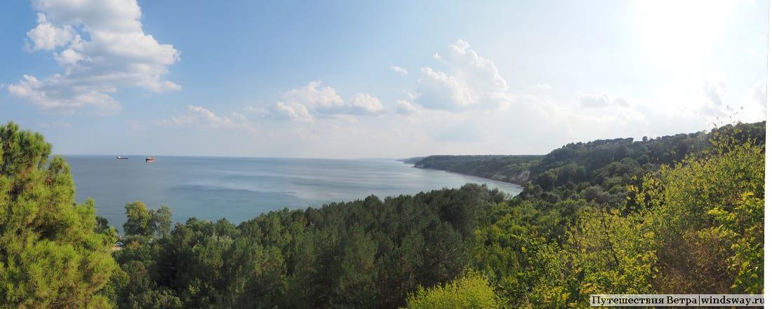 Панорама берегу Чёрного моря у Варны