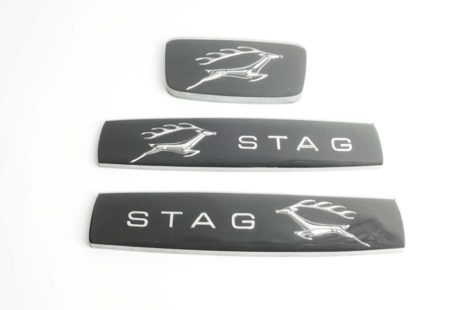 Image - Front Grille/Rear Wings Badge - Set of 3