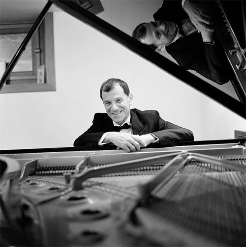 Pianist Jeff Cohen