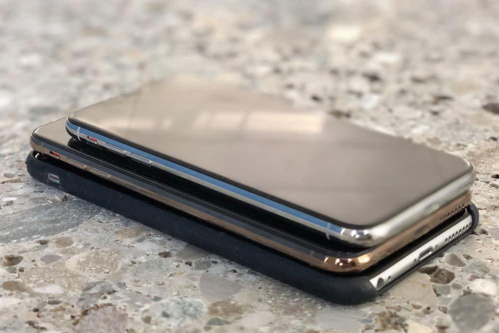 Treffen der Generationen: iPhone X auf iPhone XS Max auf iPhone 6S Plus