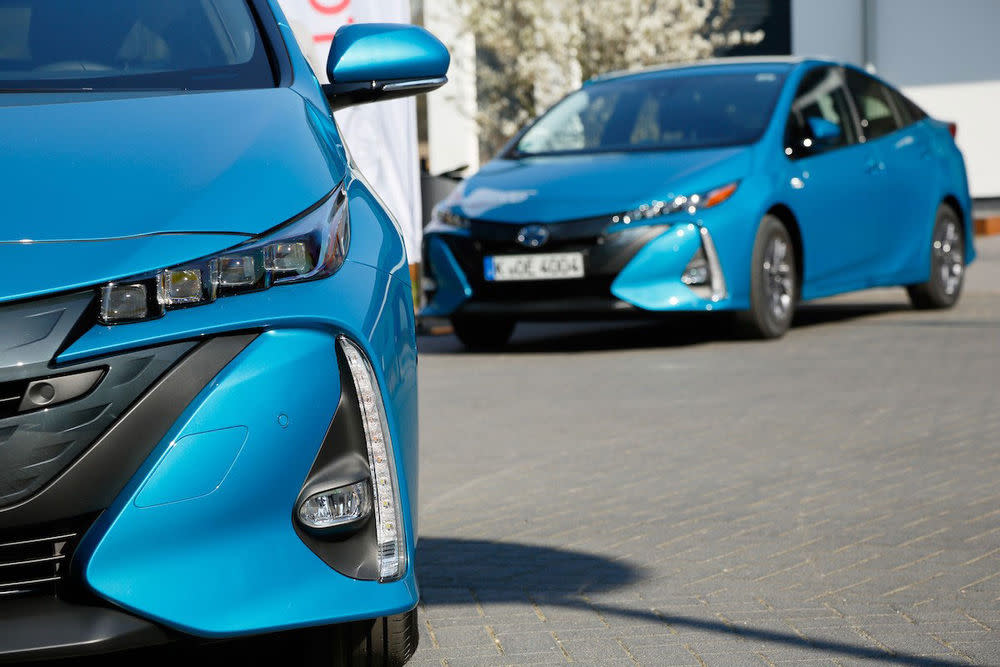 Als weltweit erstes Großserienmodell mit Hybrid-Antrieb hat der Prius Geschichte geschrieben. Jetzt ist er noch effizienter und bietet mehr Fahrvergnügen.