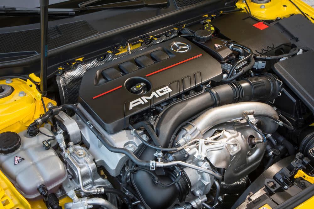Angetrieben wird der neue A 35 von einem 2,0 Liter-Turbomotor. Der Vierzylindermotor wurde komplett überarbeitet.