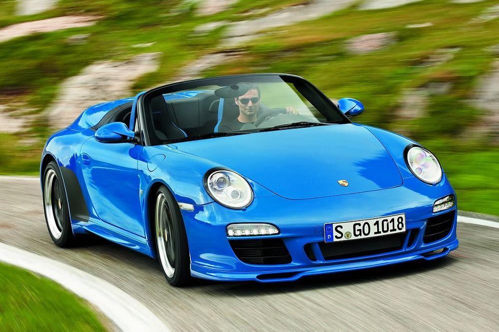 Der erste Porsche Speedster basierte auf dem legendären 356. Als Reminiszenz hat man die Neuauflage auf 356 Exemplare limitiert. Interessierte können sich ab Dezember für einen Speedster bewerben – knapp über 200.000 Euro voraussgesetzt