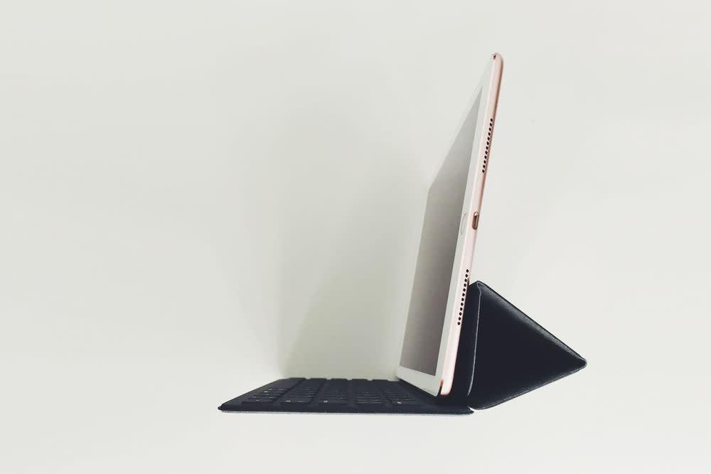 Das iPad Pro kommt mit nicht nur mit Sim-Kartenslot und LTE, sondern auch eSim-Karte.
