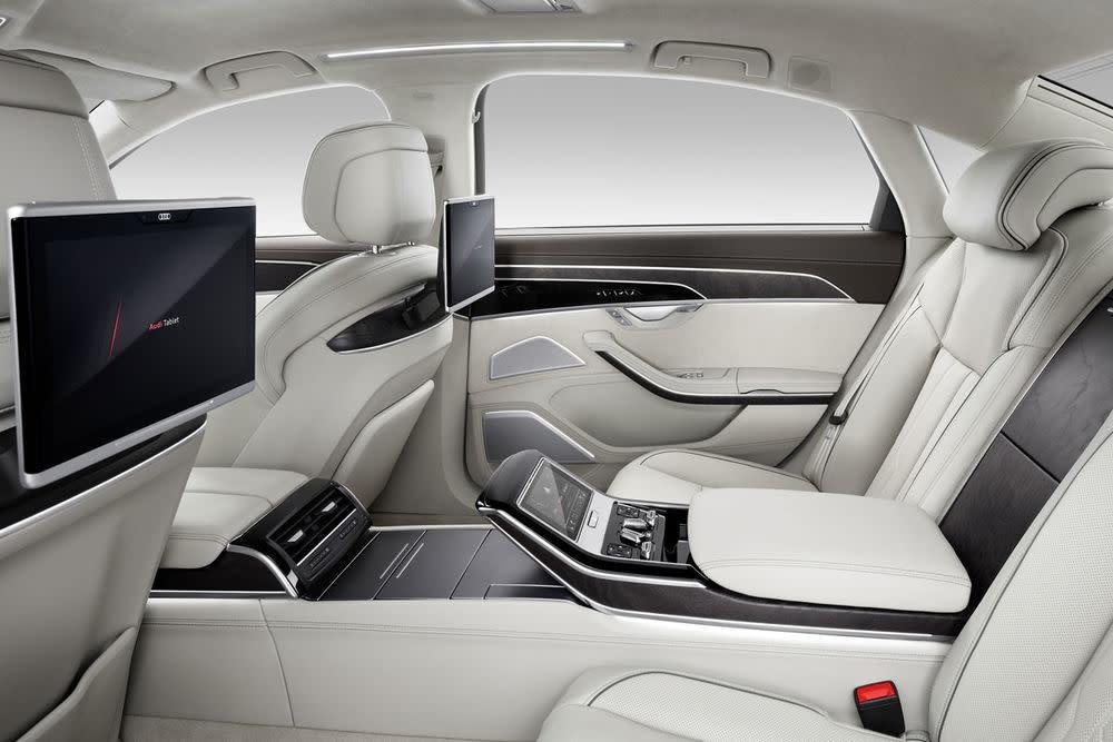 Ziel ist es, das Fahrerlebnis für den Kunden leichter und sicherer machen. Der A8 soll das mit autonomen Fahren in Stausituation bis 60 Stundenkilometer ermöglichen.