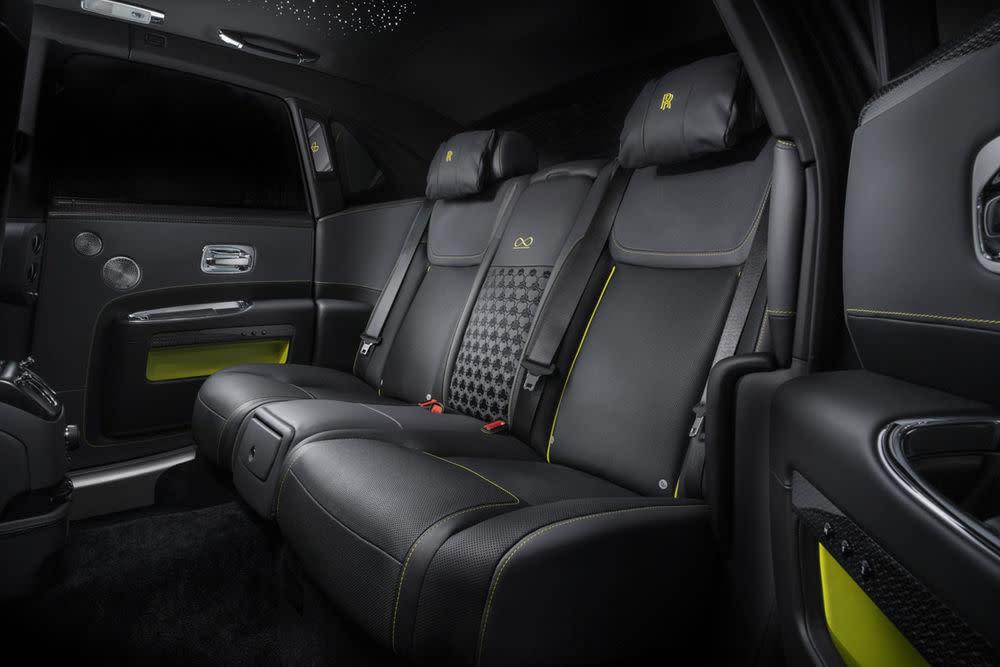Das Interieur des Rolls-Royce Ghost Black Badge.