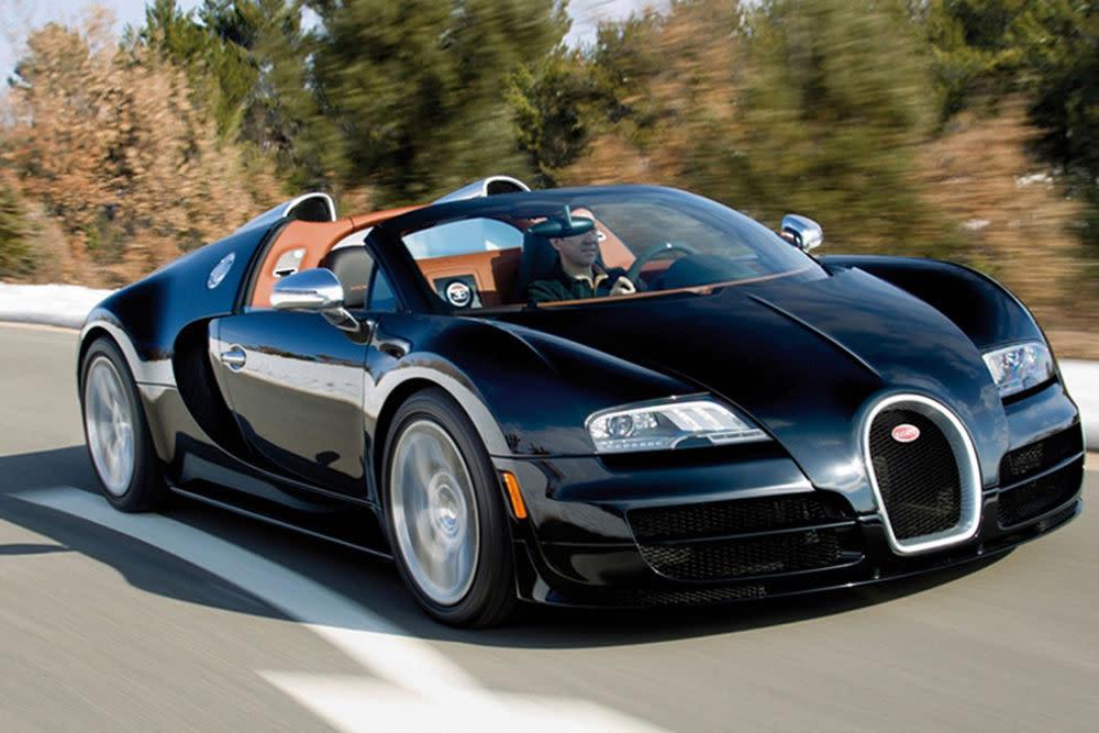 Auch in der obersten Oberklasse darf das Gefühl der Freiheit nicht fehlen. In dem offenen Zweisitzer stehen 1.200 PS und ein maximales Drehmoment von 1.500 Nm zur Verfügung.Von Null auf 100 km/h in deutlich weniger als drei Sekunden, bis zu einer Höchstgeschwindigkeit von etwa 430 km/h. Damit ist der Bugatti Veyron 16.4 Grand Sport Vitesse der stärkste Roadster aller Zeiten.