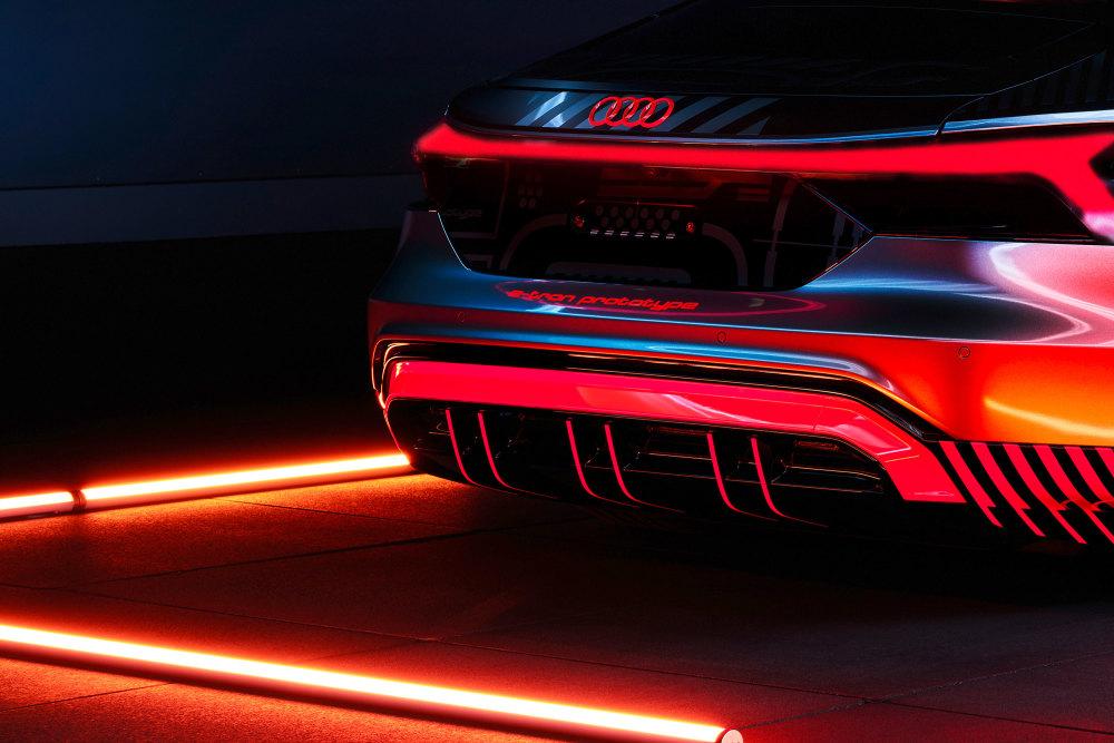Erste Bilder zeigen den Audi e-tron GT