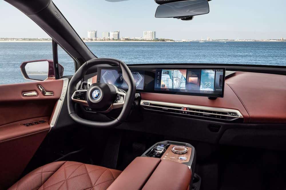 So sieht der Innenraum des E-SUV BMW iX aus