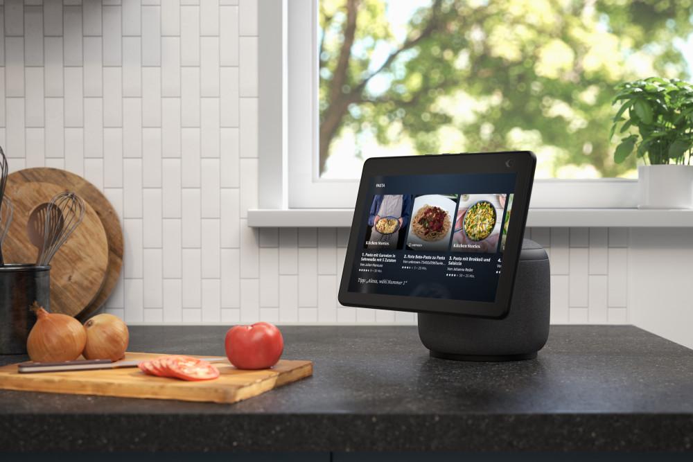 Weihnachten 2020: Der Amazon Echo Show 10 ist ein Smart Speaker für Techies