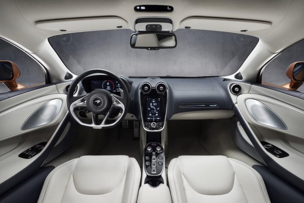 McLaren GT Innenraum