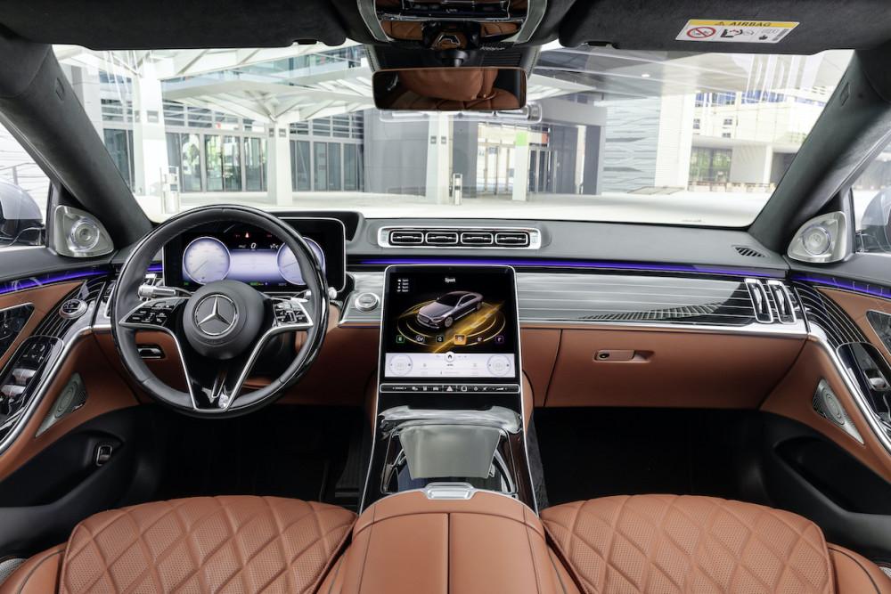 Im Innenraum hat sich die Mercedes S-Klasse deutlich verändert.