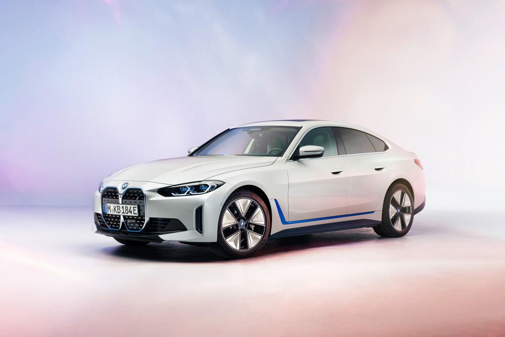 Der neue BMW i4 soll bis zu 530 PS Leistung bekommen.