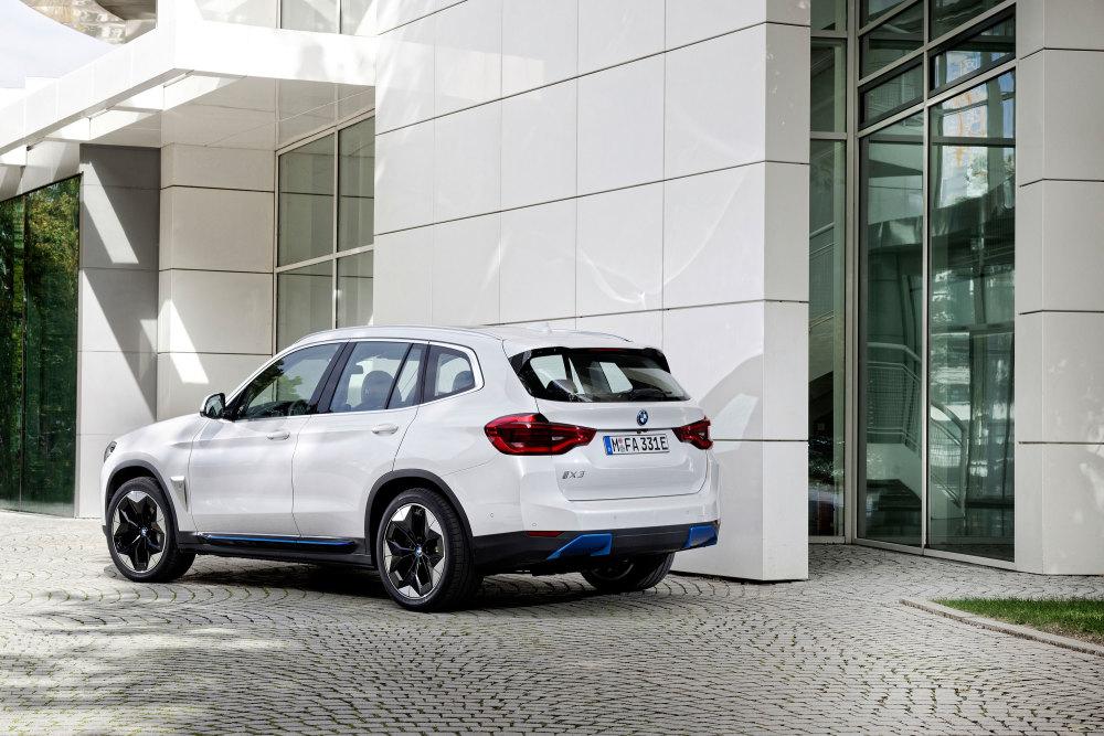 GQ testet den neuen E-SUV BMW iX3