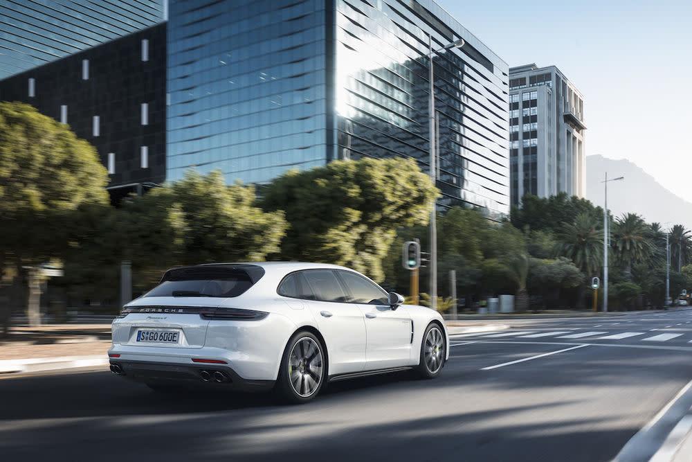 Der neue Porsche Panamera Sport Turismo will kein reinrer Kombi sein.