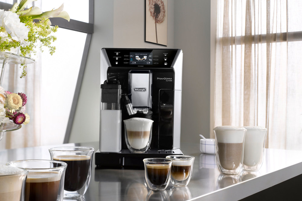 Der De'Longhi PrimaDonna Class Kaffeevollautomat ist am Black Friday im Angebot