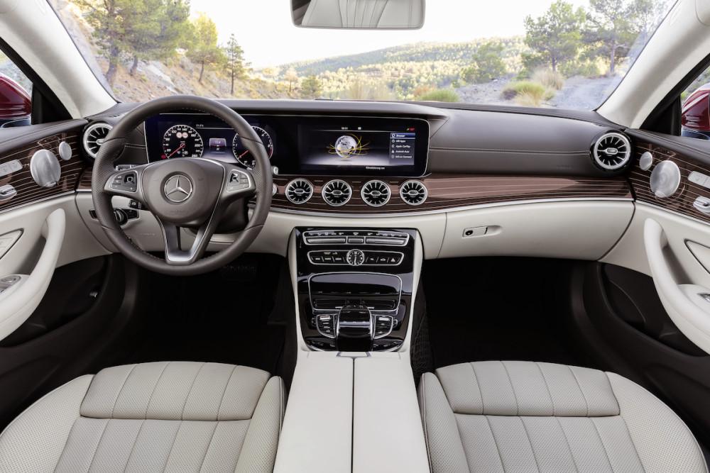 Der Innenraum der Mercedes E-Klasse setzt Maßstäbe.