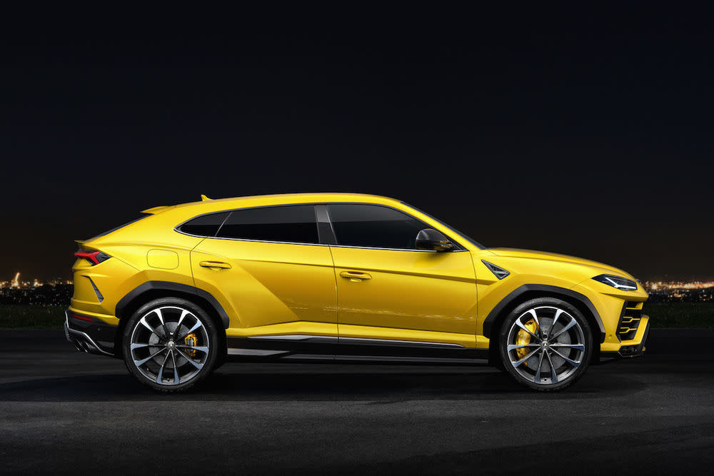 """Mit 650 PS und atemberaubendem Design soll das """"weltweit erste Super Sport Utility Vehicle"""" den Markenwerten in jeglicher Hinsicht treu bleiben."""