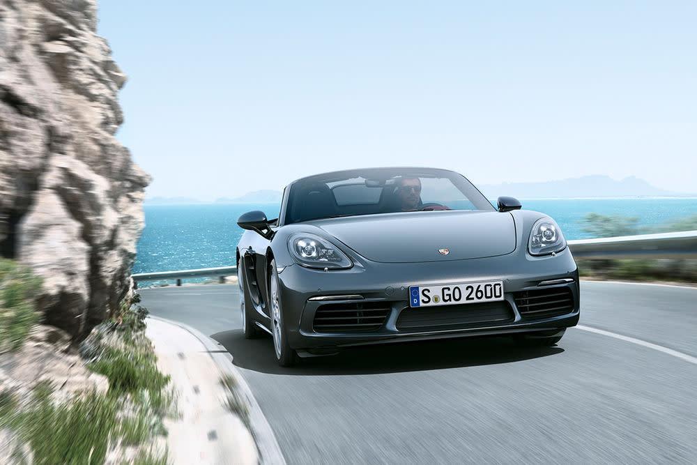 Die vierte Generation soll alles anders machen als die Vorgänger. Mehr Drehmoment, mehr Speed, mehr Power und verbesserte Effizienz. Und das alles aus einem neuen Vierzylinder-Turbo statt aus einem Sechszylinder-Sauger mit 911-Genen!