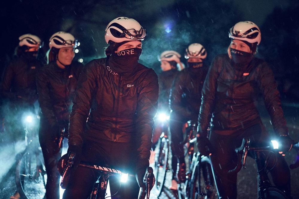 Mit dem Fahrrad und dem richtigen Licht durch den Winter