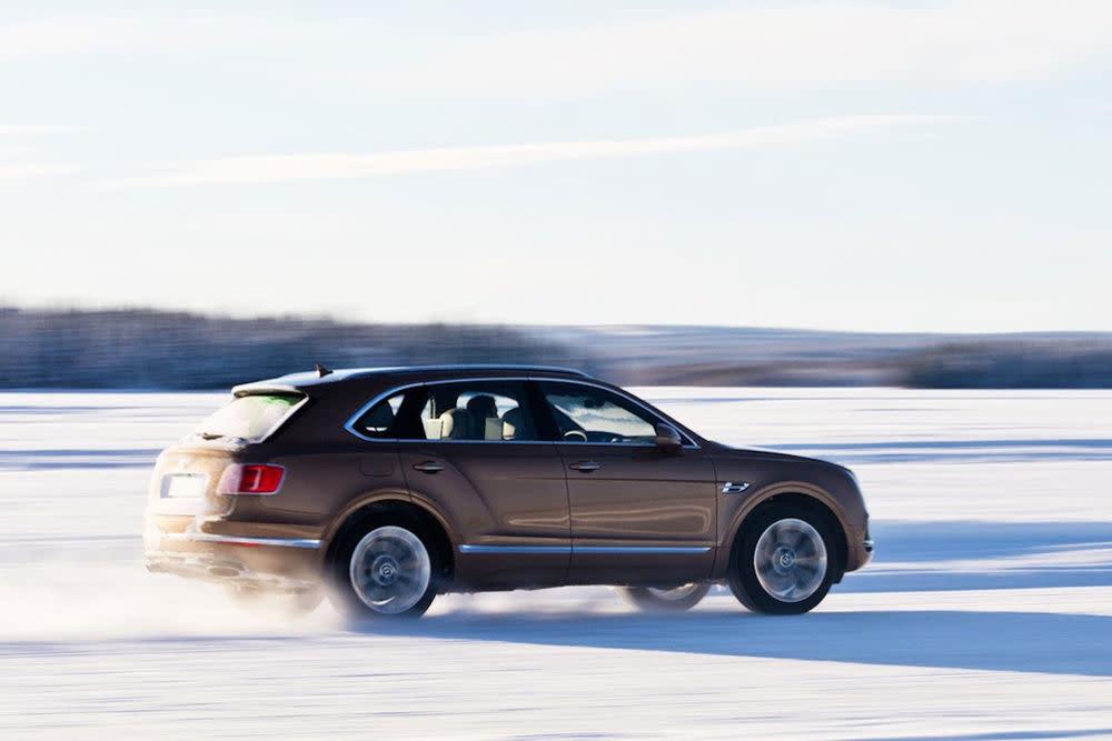 """Das """"Power on Ice""""-Programm vonBentleybietet vier Tage intensive Erfahrungen in Finnland."""