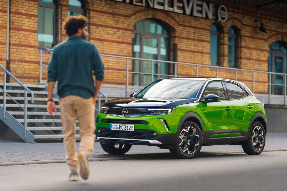 Der Opel Mokka-e lädt per CCS-Technik.