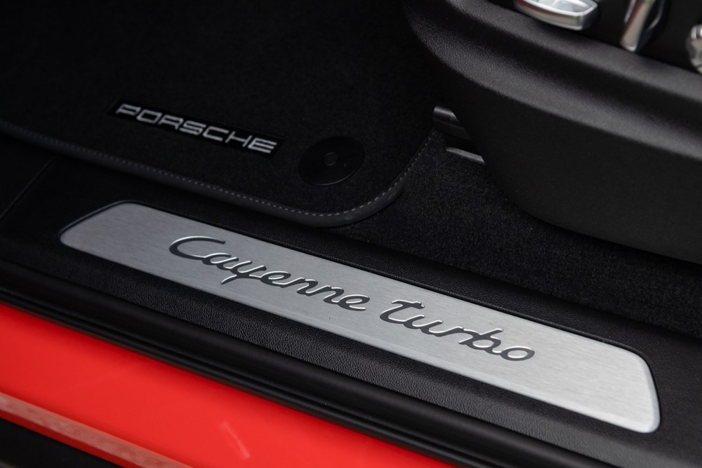 Porsche Cayenne Turbo Coupé Leiste