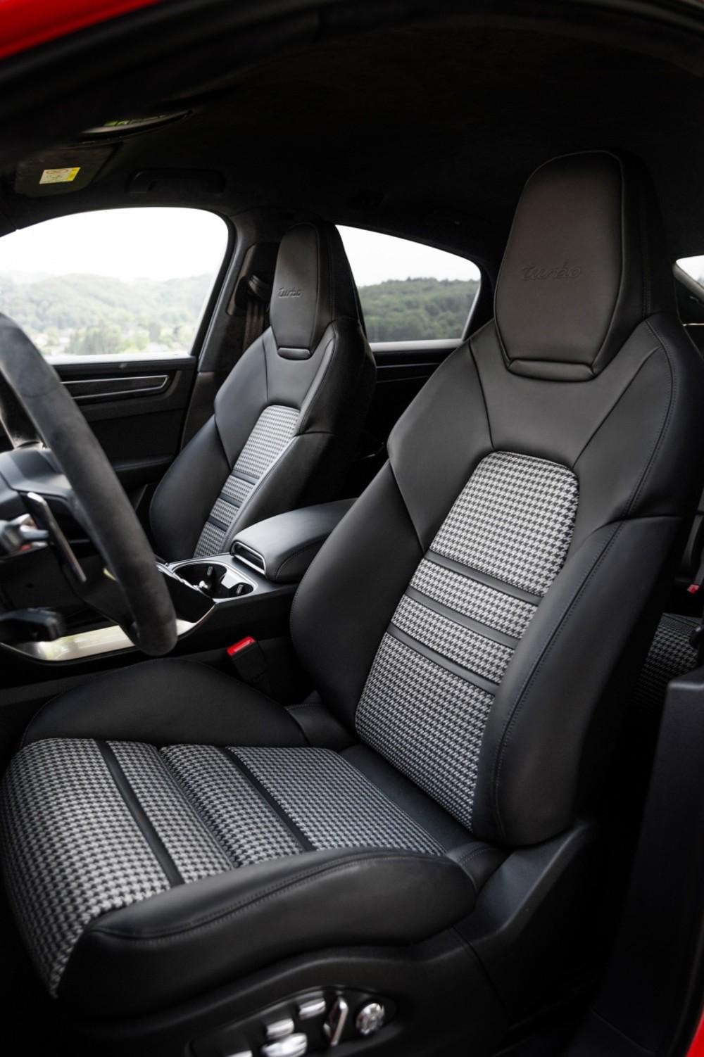 Porsche Cayenne Turbo Coupé Sitze