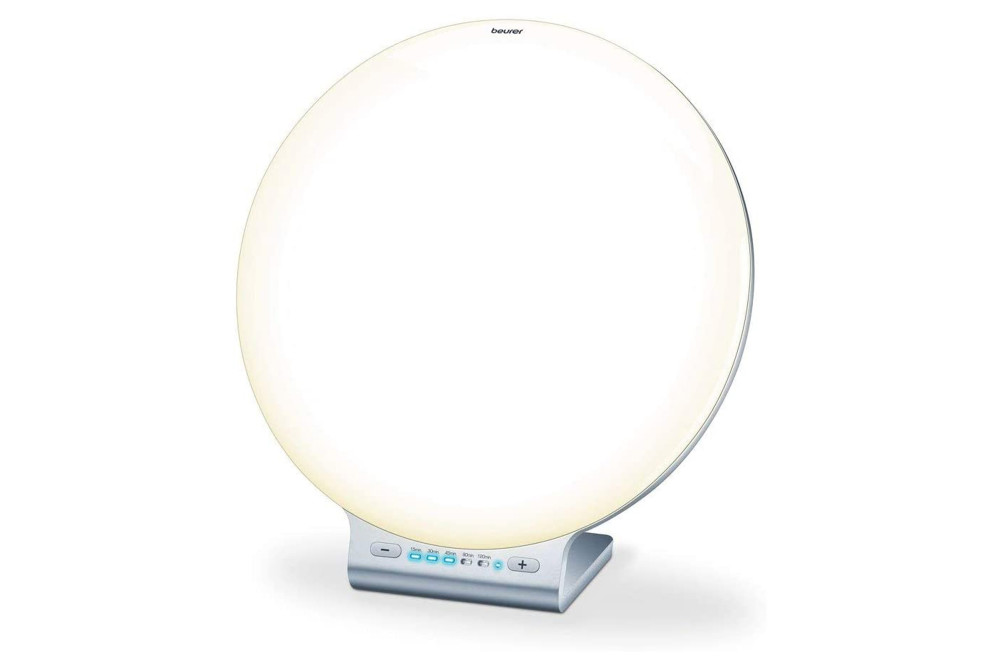 Die Beurer TL 100 2-in-1 Tageslichtlampe kommt mit Spezialfunktionen.