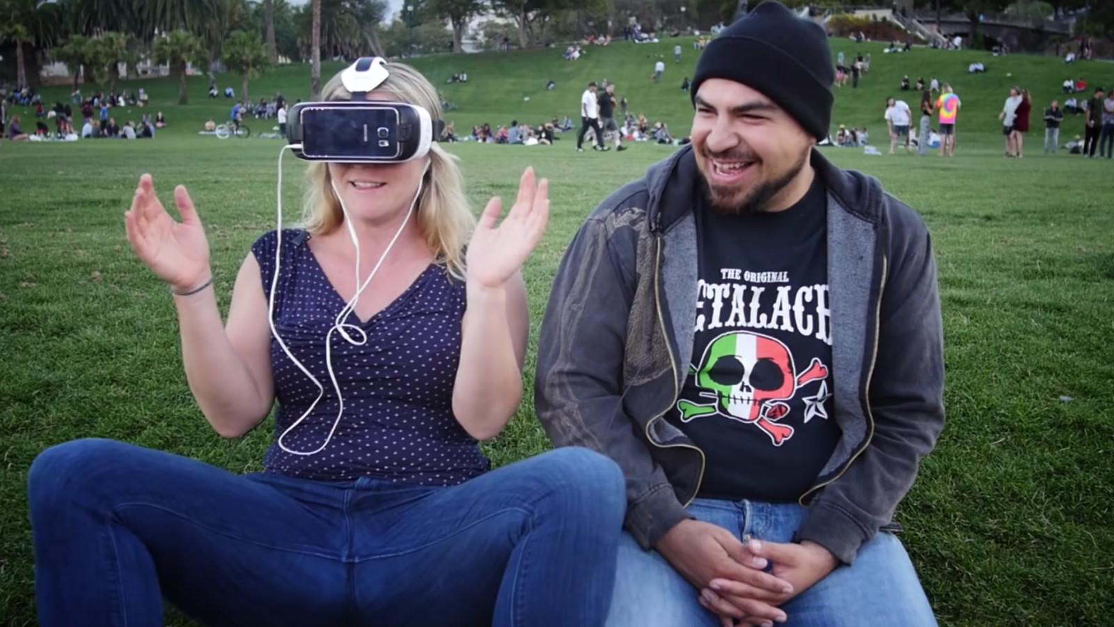 So reagieren Passanten auf ihren ersten Virtual-Reality