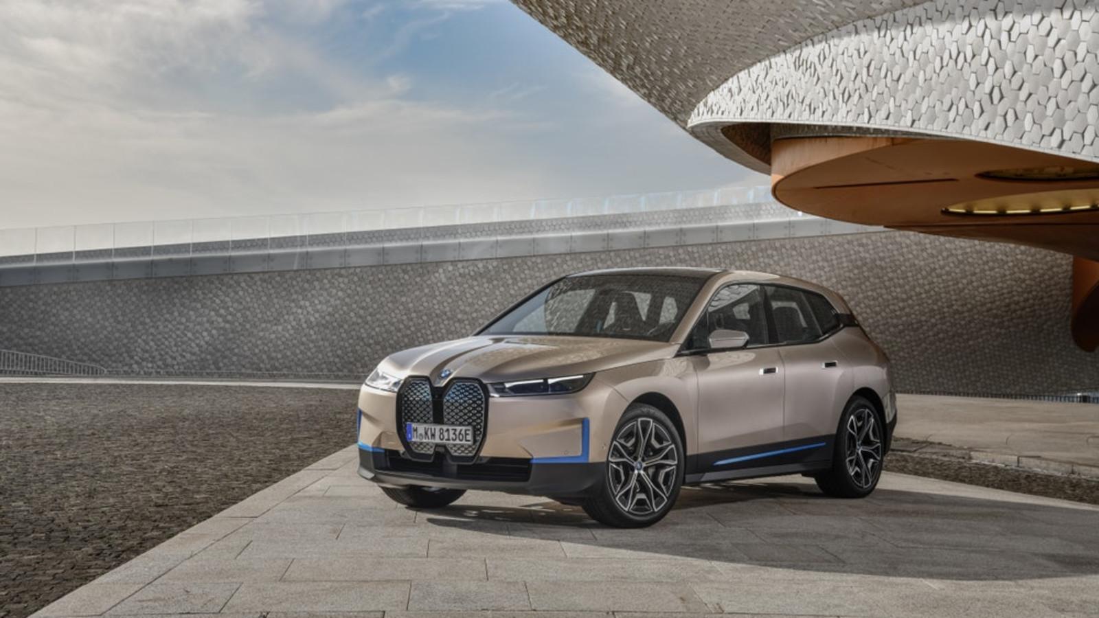 BMW launcht mit dem iX ein rein elektrisches SUV