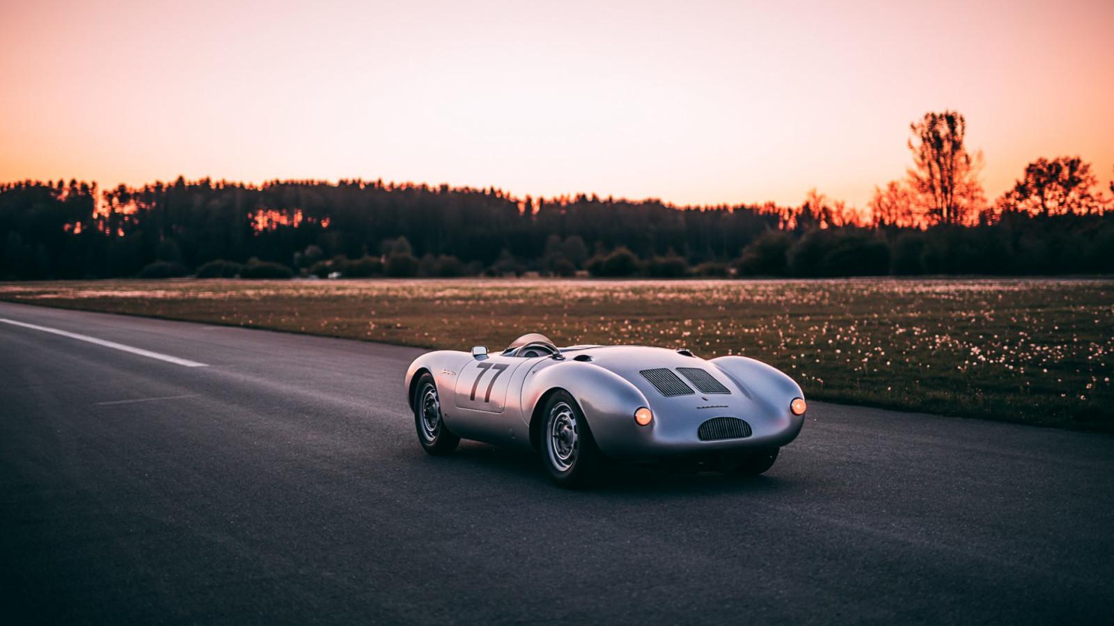 Der Porsche 550 Spyder steht bei Auxietre & Schmidt zum Verkauf