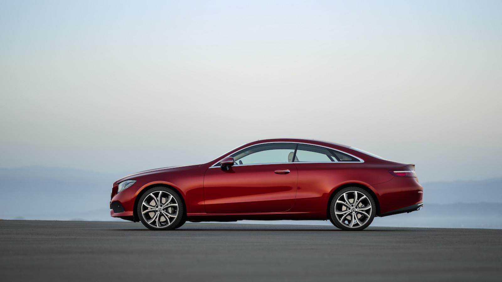 Im Test überzeugt das Mercedes E-Klasse Coupé mit seiner Reichweite.
