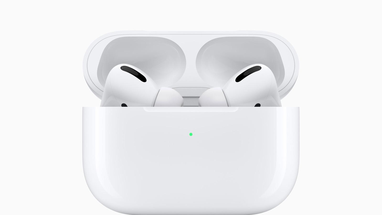 Apple AirPods Pro auf weißem Hintergrund